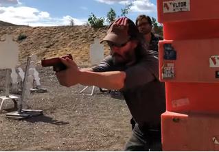 Киану Ривз готовится к роли Джона Уика под руководством бывшего спецназовца (видео)