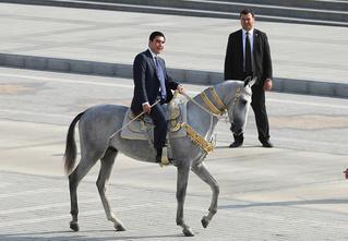 Туркменатор: невероятные приключения и невероятная сила президента Туркменистана