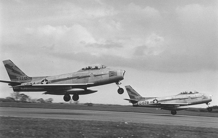 Самолет F-86 «Сейбр»