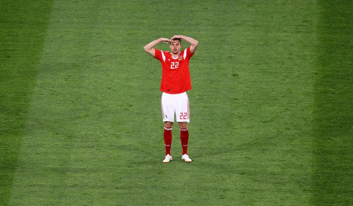 Фото №16 - Топ-10 мемов чемпионата мира по футболу!