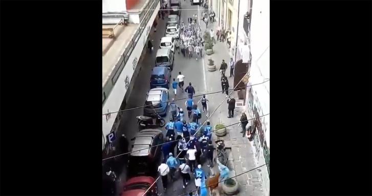 Фото №1 - Фееричное столкновение фанатов «Наполи» и «Ювентуса» в Турине (ВИДЕО)