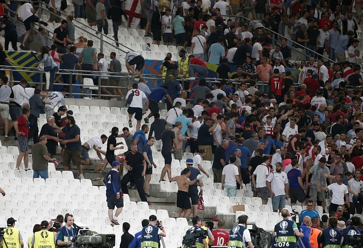 Беспорядки на матче Россия Англия