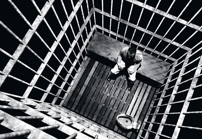 Фото №1 - От Чавеса до Лукашенко: каким бывает авторитаризм и почему у людей так легко сгибаются колени
