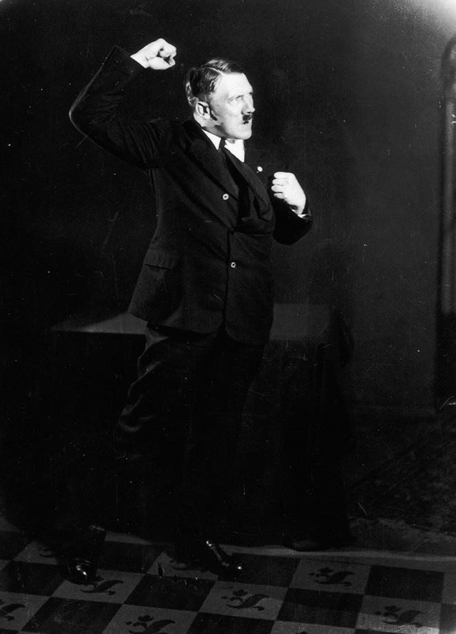 Фото №8 - Фотографии, которых стыдился Гитлер
