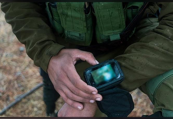 Фото №1 - Израиль вооружается боевыми смартфонами