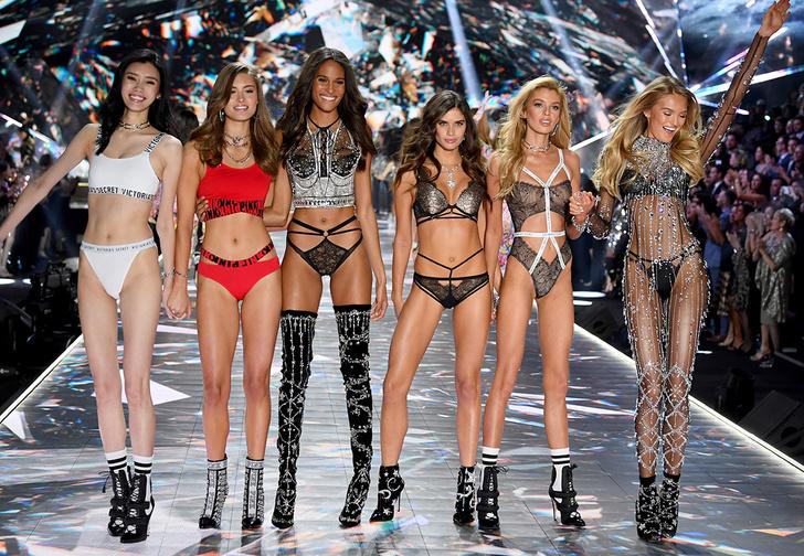 Фото №1 - Самые горячие моменты показа Victoria's Secret 2018