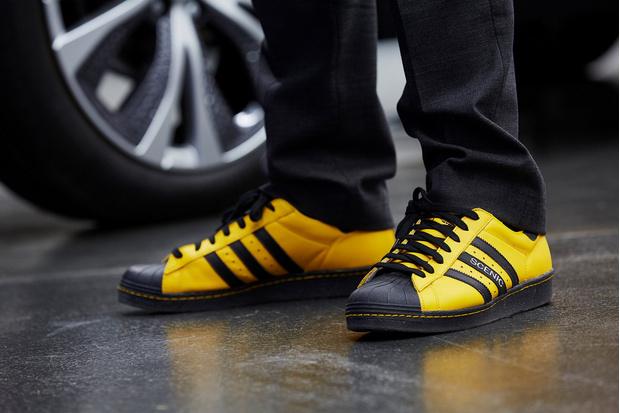 Фото №7 - Почему все следят за цветом кроссовок главного дизайнера Renault?