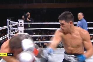 Непобедимый русский боксер сокрушил американского и защитил титул чемпиона мира в пятый раз (видео)
