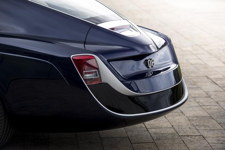 Фото №14 - Самый дорогой в мире Rolls-Royce построили для таинственного коллекционера