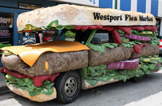Чизбургер на колесах