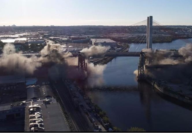 подрыв автомобильного моста нью-йорке оглушительно-сокрушительное видео