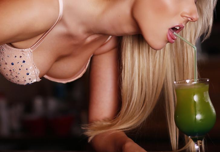 Фото №1 - 10 абсолютно тошнотворных коктейлей