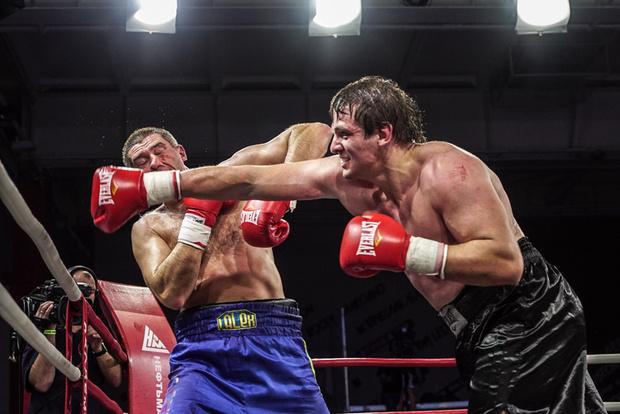Фото №1 - Академия бокса отметила пятницу, 13-е, по-мужски