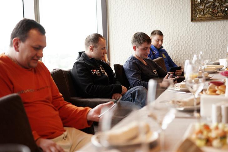 Фото №4 - Читатель MAXIM победил в покерном турнире PokerStars.net!