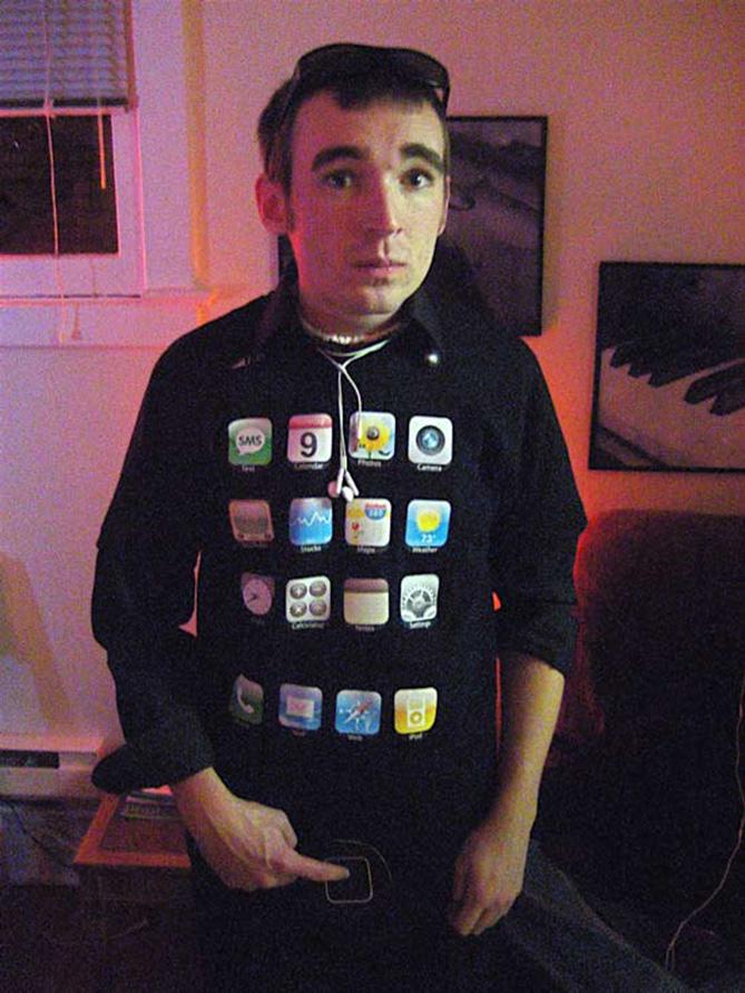 Фото №6 - Самые нелепые примеры косплея iPhone в истории!