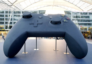 Напоминание дня: Xbox One X уже в продаже!