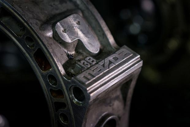 Фото №23 - Все, что ты хотел знать о роторных двигателях, но стеснялся спросить у этих… ну, с гаечными ключами