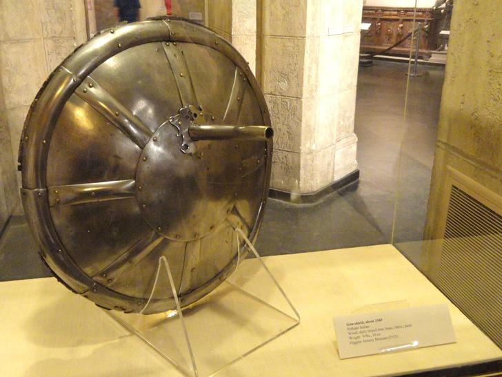 Фото №1 - 10 видов необычного оружия Средних веков