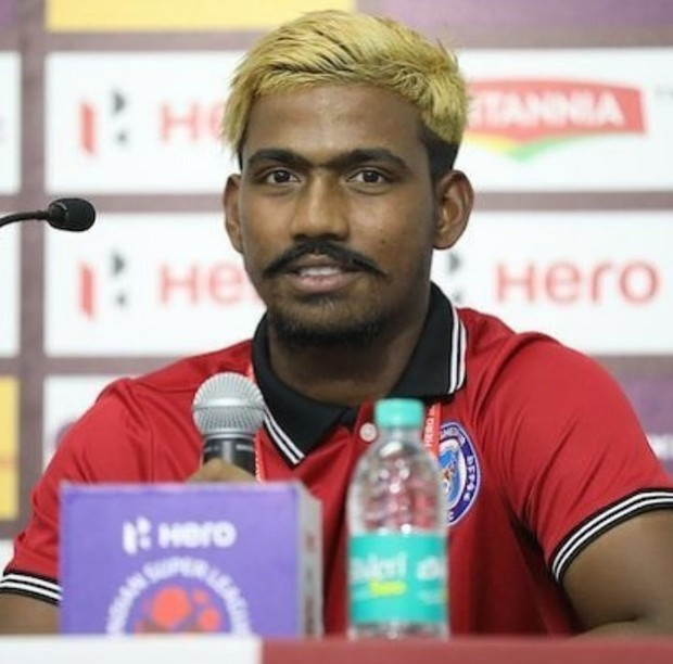 Фото №1 - Индийский «шестнадцатилетний» футболист-вундеркинд оказался взрослым мужиком