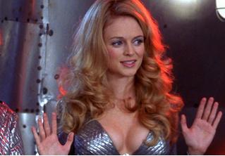 Дивись: Хизер Грэм в одном лишь бикини! И она выглядит вдвое моложе себя!