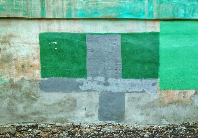 На домах в Рязани замечены цветные пятна, подозрительно напоминающие дорогущие картины абстрактных экспрессионистов!