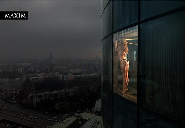 Фото №2 - Окна Анны: новейшая фотосессия актрисы Анны Михайловской в MAXIM