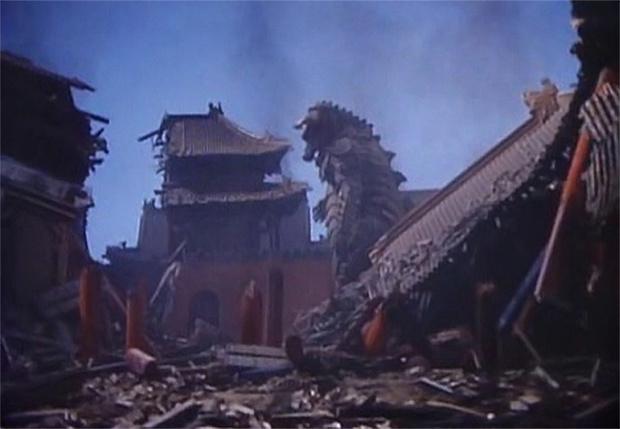 Фото №1 - Коммунистическая Северная Корея однажды оступилась и сняла фильм про гигантского монстра