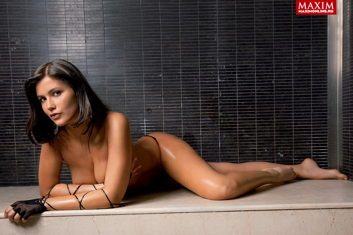 Фото №3 - Модель Мирта Рубин: «Конечно, кому-то проще чего-то добиться в голом виде»