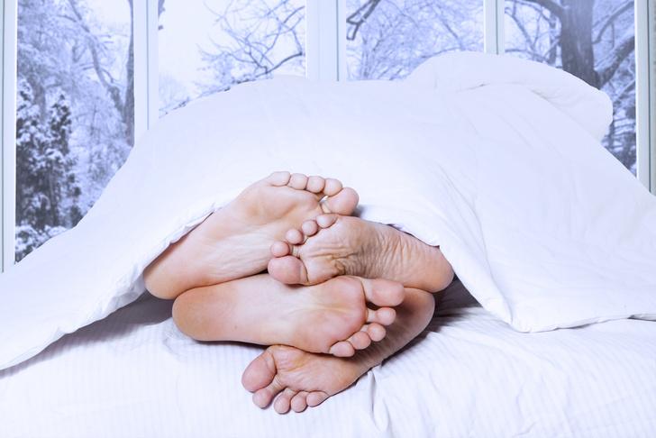 Фото №1 - 8 поз для зимнего секса, которые должен попробовать каждый