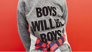 В Австралии изъяли детские толстовки с надписью «Мальчики такие мальчики» из-за сексизма