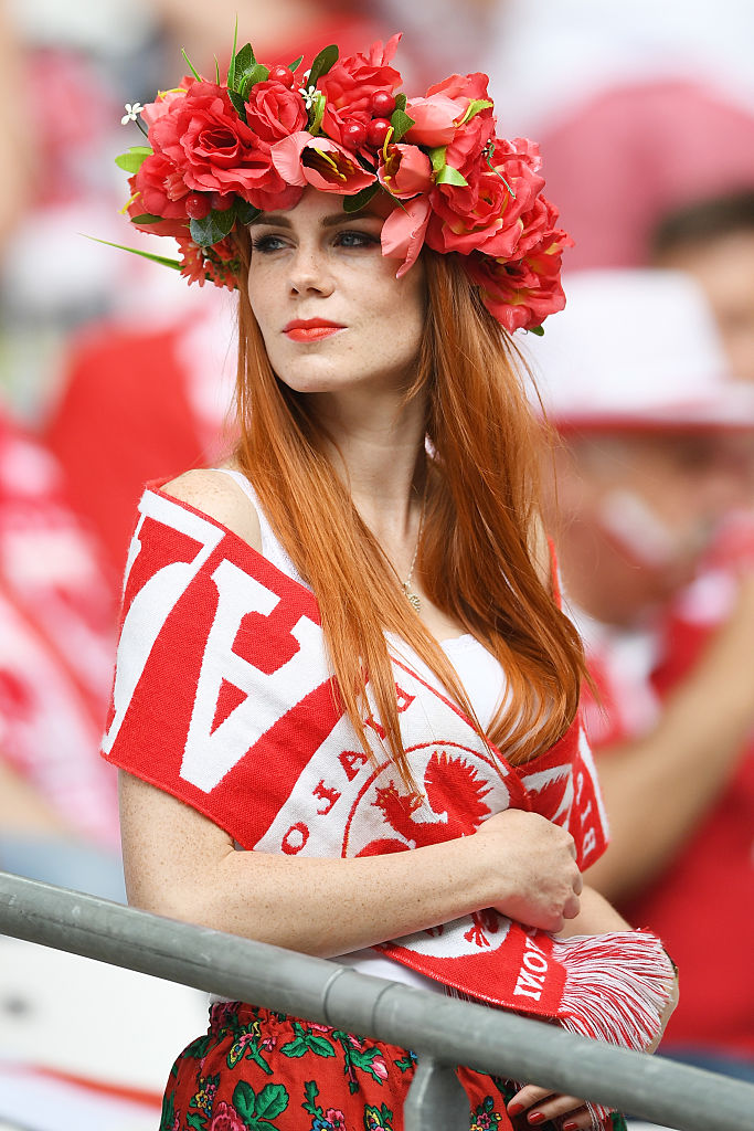 Фото №3 - Сексуальные фанатки Евро-2016 — единственный повод отвести взгляд с поля