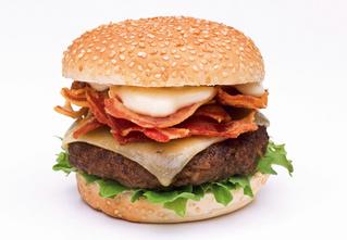 Противогололедное средство и еще 4 тайных ингредиента твоего любимого бургера