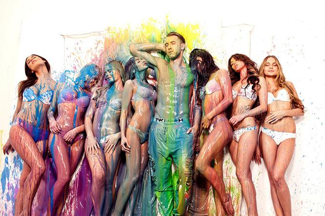 Толпу моделей вогнали в краску в клипе T-Killah