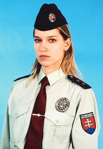 Фото №9 - Самые красивые девушки-полицейские мира