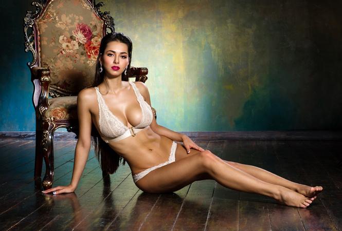 Фото №4 - Дочь Жан-Клода Ван Дамма, пышка недели, «ангелы селфи» и другие самые сексуальные девушки недели