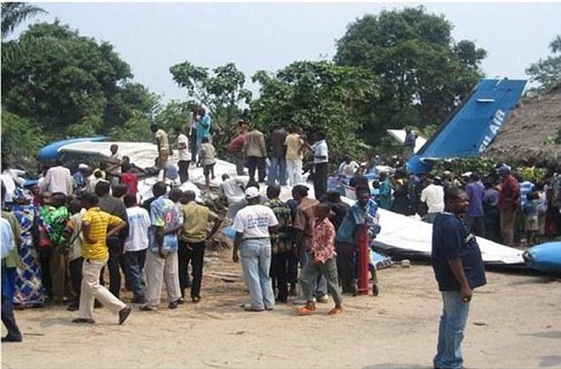 Фото №1 - Крокодил, толстые пассажиры и другие необычные причины авиакатастроф