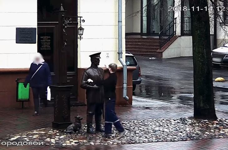 Фото №1 - Парень дал пощечину памятнику. Его поймали, завели дело и записали извинения на камеру (видео)