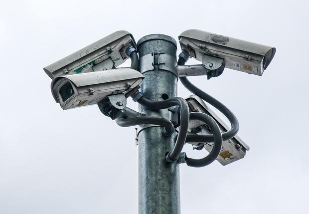 Фото №1 - Замглавы ЦОДД раскрыл процент фальшивых камер наблюдения на дорогах Москвы