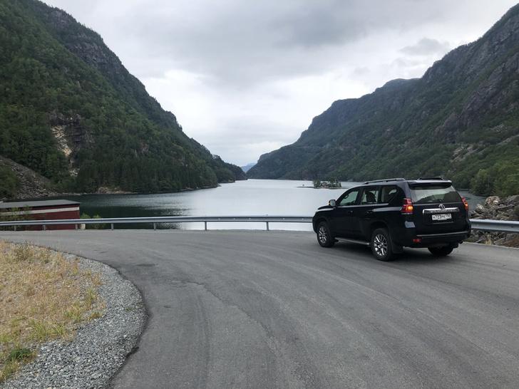 Фото №2 - Toyota Land Cruiser Prado: практически идеально?