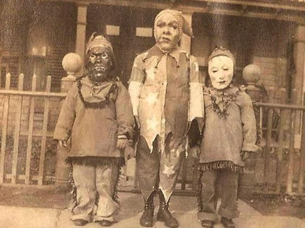 Фото №16 - Самые жуткие ретрокостюмы на Хеллоуин!