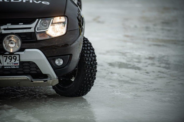 Фото №4 - Renault обещает сделать свою водительскую академию доступной для всех желающих
