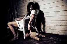 Девушка vs зомби