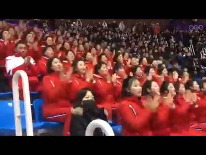 Северокорейские чирлидеры на Олимпиаде (ВИДЕО)