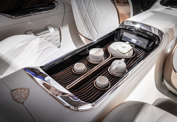 Фото №3 - Vision Mercedes-Maybach Ultimate Luxury — внедорожник для шейхов