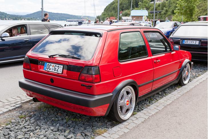 Фото №12 - Самые безумные машины фестиваля GTI Treffen