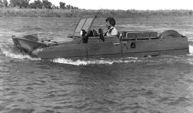 Фото №2 - И поехать, и поплыть: самые странные и успешные попытки создать «лодкомобиль»