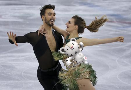 «Мой самый большой кошмар!» У французской фигуристки оголилась грудь на Олимпиаде