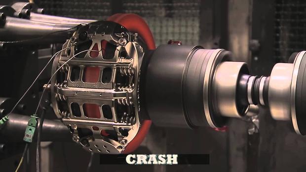 Фото №1 - Тестирование тормозов болида «Формулы-1» (видео)