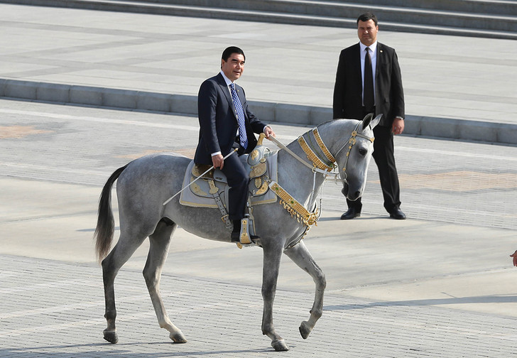 Фото №1 - Туркменатор: невероятные приключения и невероятная сила президента Туркменистана