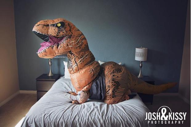 Фото №6 - Эротическая фотосессия в костюме динозавра!